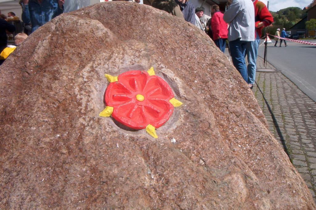 Stein für den Dorfeingang